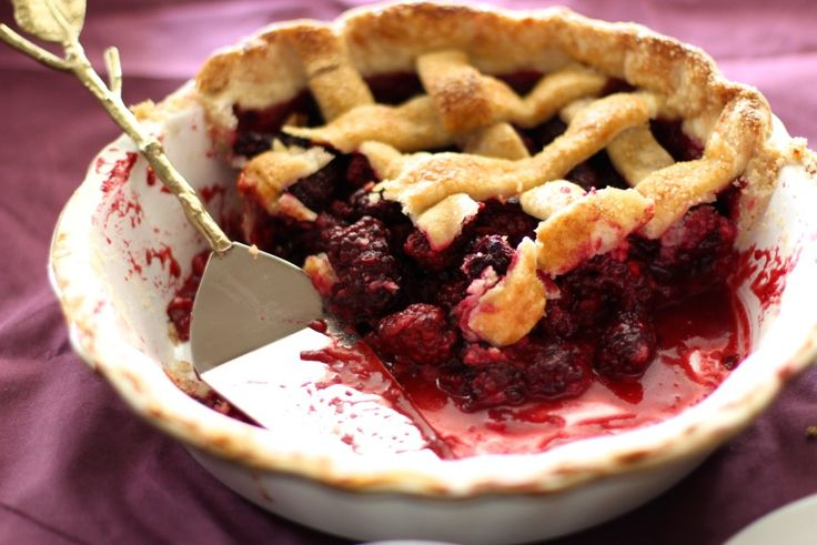 Blackberry pie adapted four twenty blackbirds pie book
