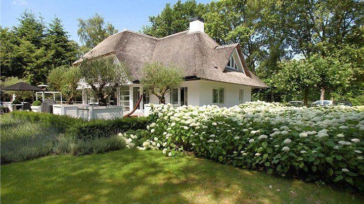 Gordon zet zijn luxe gooise villa te koop zie foto 39 s for Landelijke huizen te koop