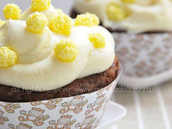 Cup cake alla banana con frosting ricotta