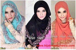 Cara Mudah Memakai Hijab Segi Empat Scarf.
