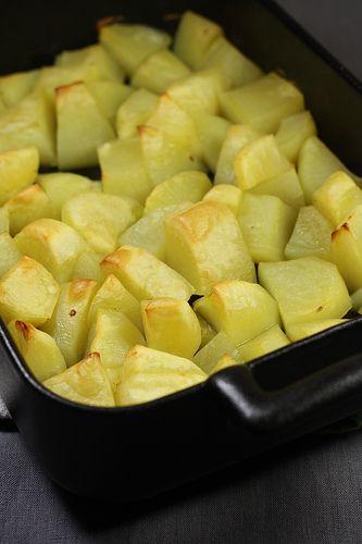 Pommes de terre crousti-moelleuses au four (cuisson avec du bouillon)