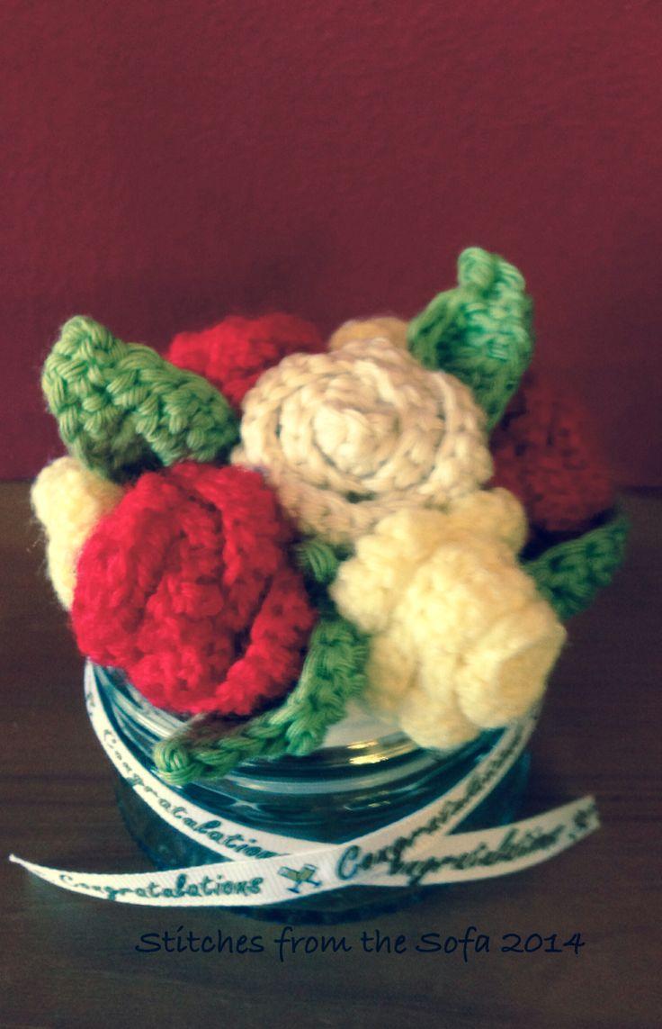 Crochet rose table decoration