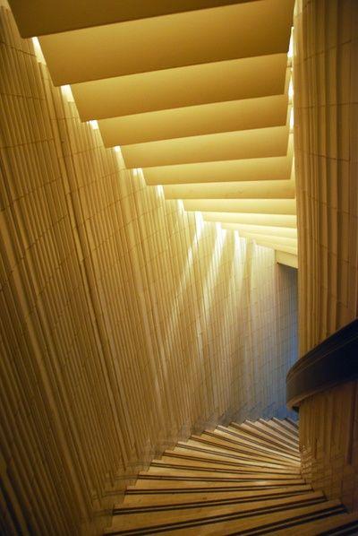 Iluminação zenital, tipologia: clarabóia com a luz indireta.