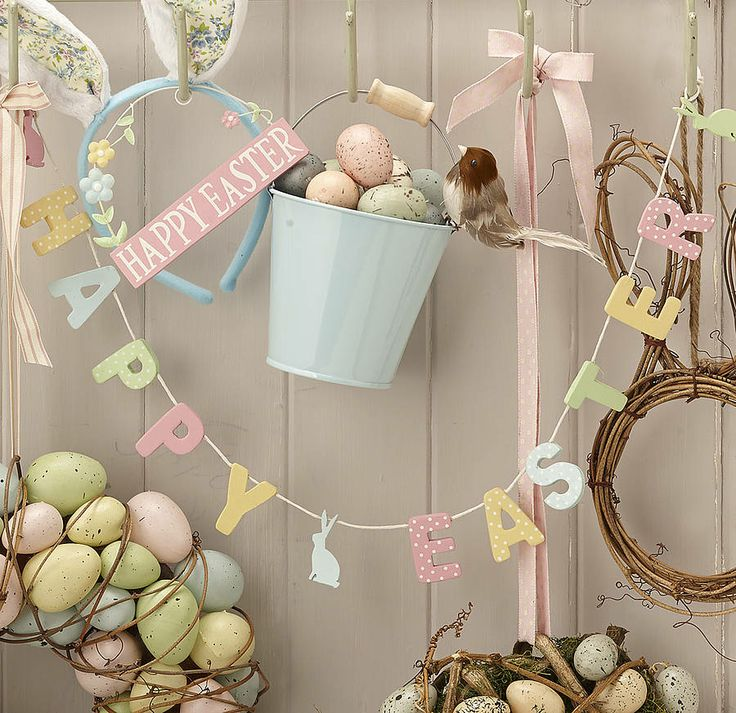Beautiful #Easter #bunting by the contemporary home #pastel