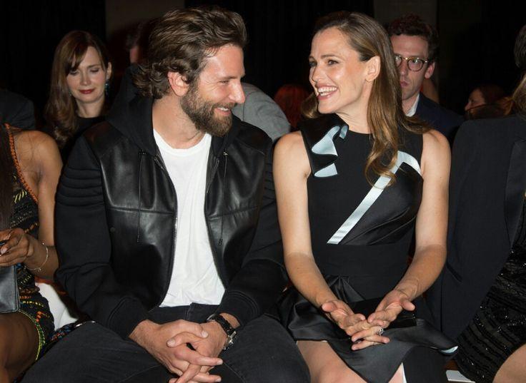 Alias | Bradley Cooper (Will) and Jennifer Garner (Sydney)