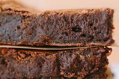 Brownie - Testado e aprovado. Adorei e fiz só com chocolate 1/2 amargo mesmo (não tinha só amargo). Vou experimentar colocar castanhas ou nozes.