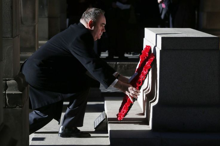 In pictures: Nation pays tribute on Remembrance Day - Daily Record - ❈ www.pinterest.com/WhoLoves/Rememberance-Day ❈ #RememberanceDay #Armistice Day #PoppyDay