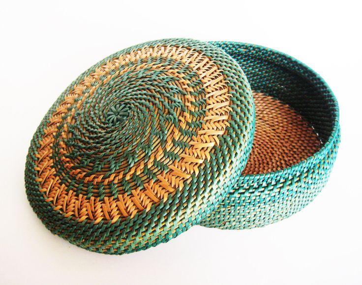 Woven wicker basket with lid Craft storage от Viyaswickerworks