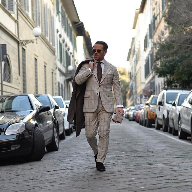 PM Eleganza Milanese® Bespoke Tailoring / Su misura / Kwaliteits Maatpakken 📍Antwerpen Volkstraat 28 📍Milano (Brera) By appointment 🌍www.pmeleganzamilanese.com 📞+32485662464 #pmeleganzamilanese #massimopirrone #vitalebarberiscanonico1663 📸 @chillaxingroad