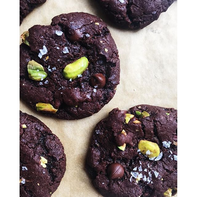 Salted Dark Chocolate Olive Oil Cookies With Pistachios via @feedfeed on https://thefeedfeed.com/leveebaker/salted-dark-chocolate-olive-oil-cookies-with-pistachios