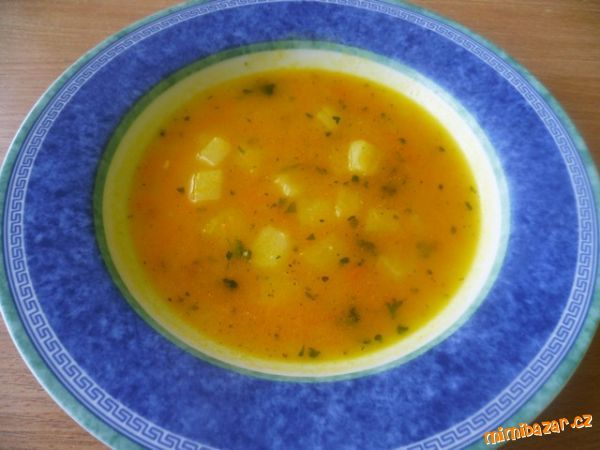 Mrkvová polévka s česnekem
