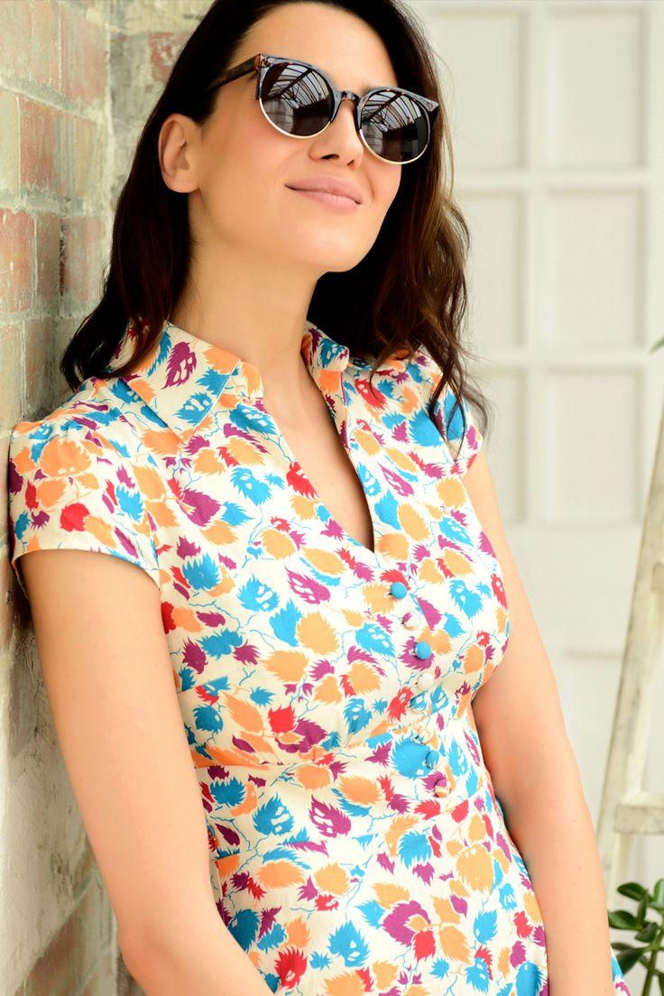 Εμπριμε στυλ vintage λινο φορεμα με γιακα, εφαρμοστο στο στηθος και φουστα σε Α-γραμμη | Fever London | Phillyshop.gr