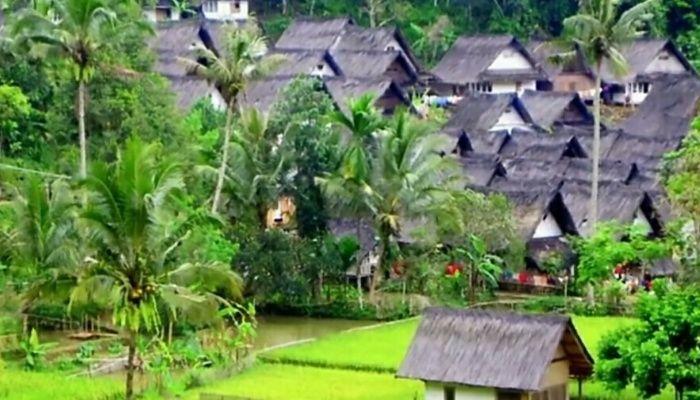 Tempat wisata kampung naga tasikmalaya