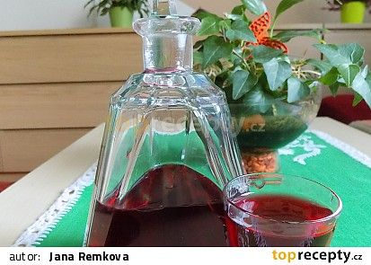 Likér z aronie recept - TopRecepty.cz