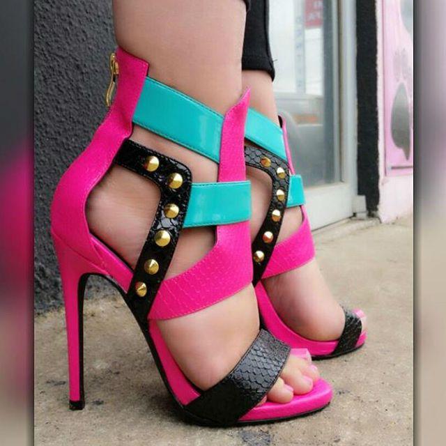 Nelly Bernal Multicolor Open Toe Sandals