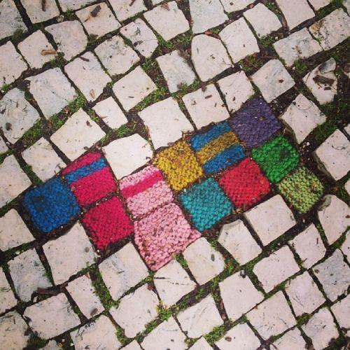 fluorescentberry:  #arteurbana #calçada #lisboa