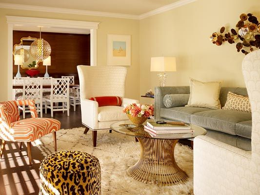 Another shot of this gorgeous living room with the adjoining gorgeous dining room.