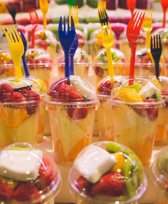 Fruits in  Mercat Boqueria - Barcelona city guide => http://madebymaider.com/week-end-barcelone-city-guide/  #Barcelona #CampNouExperience