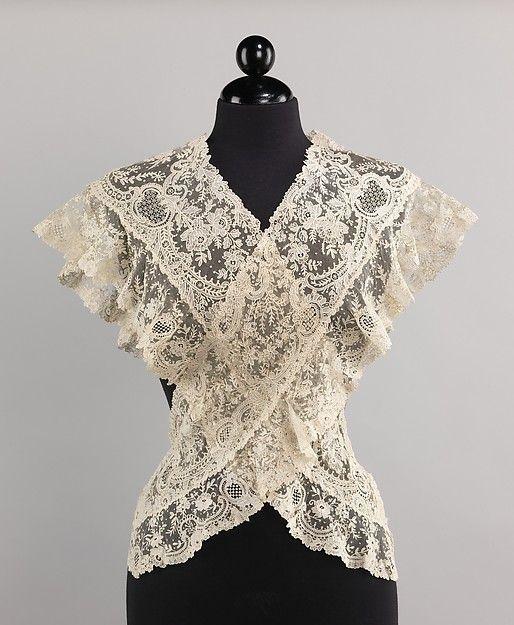 Fichu | Belgian | late 19th century | linen | Metropolitan Museum of Art | Accession #: 2009.300.3831