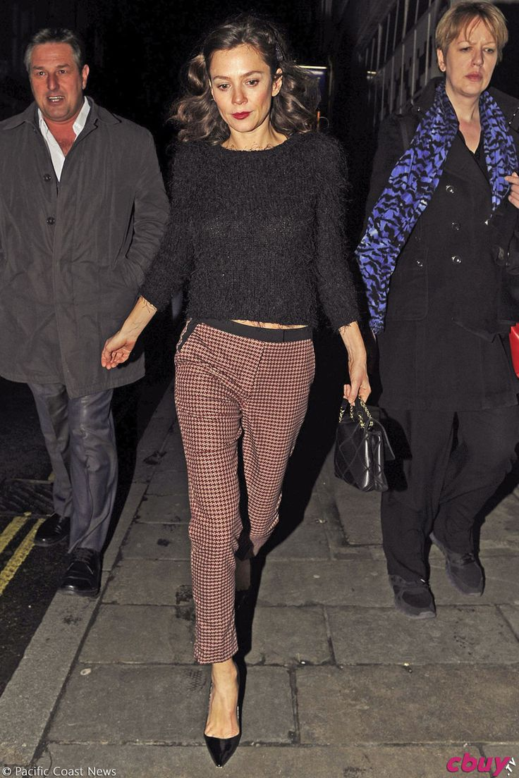 Stylesetter: Crushing on Anna Friel's chic and simple ensembles. Get the look. | more on jenesequa.com