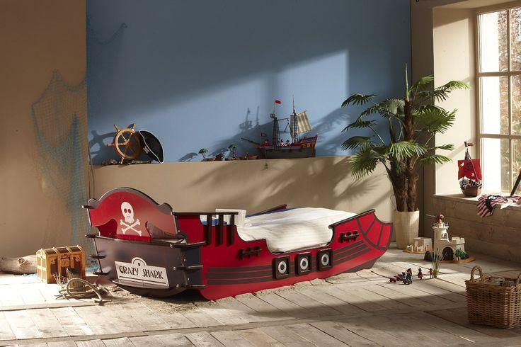 die besten 17 ideen zu piratenschiff bett auf pinterest piraten schlafzimmer und kinderbetten. Black Bedroom Furniture Sets. Home Design Ideas