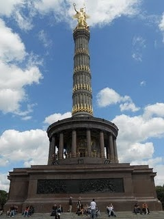 Siegessäule in Berlin: Berlin Photo, In Love, Siegessäul Berlin, Travel Fashion Berlin, Berlin And, Inspiration Berlin, Places, Germany Liv, Ein Berlin Berlin