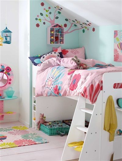 mommo design: LOFT BEDS FOR GIRLS Needs a rail, but cute for when the littles need to share:)