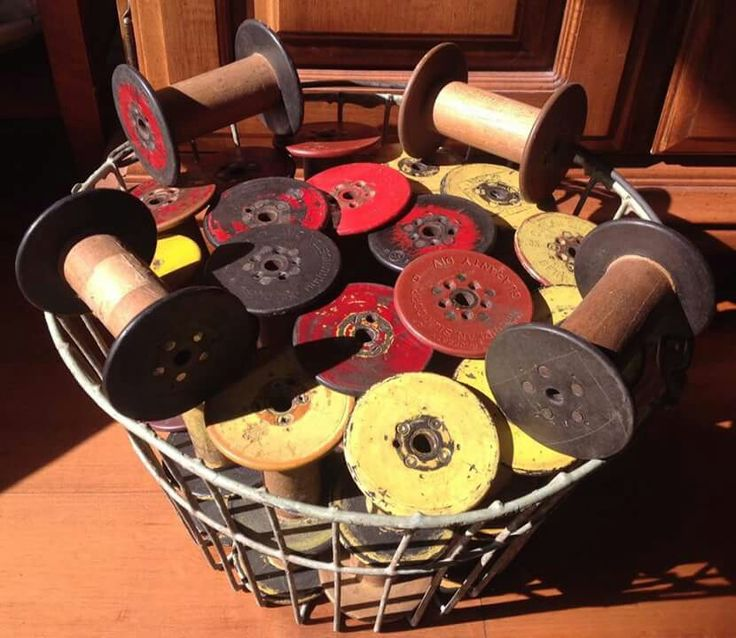 Old bobbins for my bobbins rack for the weaving