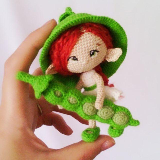 Глубокой ночью родилось у меня крошечное создание, ростиком со стручок горошка ))) Девочка свободна