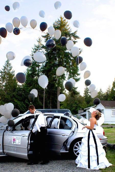 Suelta de globos, una idea fantástica a la salida de los novios. Como hacerla... en el blog!! :)