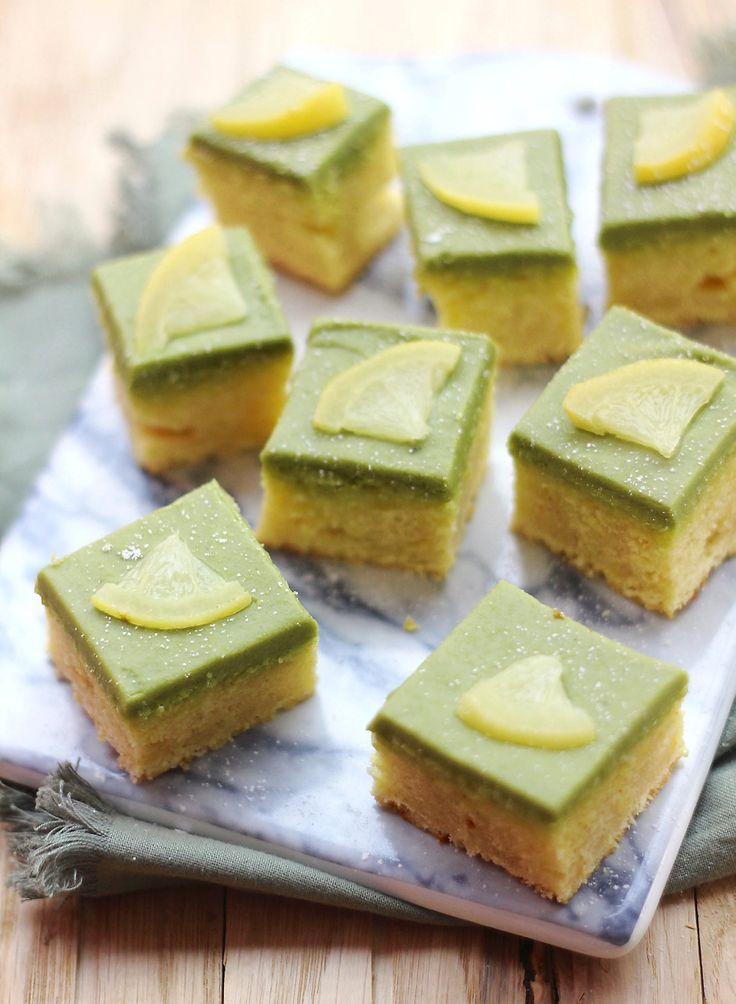 Une recette très simple à préparer, pour épater vos invités ! Ces petits gâteaux ultra-moelleux sont parfumés au citron, et nappés d'un délicieux glaçage au thé matcha...