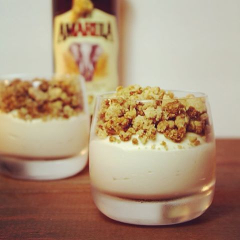 Amarula cheesecake crumble... Do I need to say more?  #instafood #foodie #foodblog #amarula #southafrica #foodybox @kroonophetwerk #cheesecake #homemade #nomnomnom #comfortfood #picoftheday #foodporn