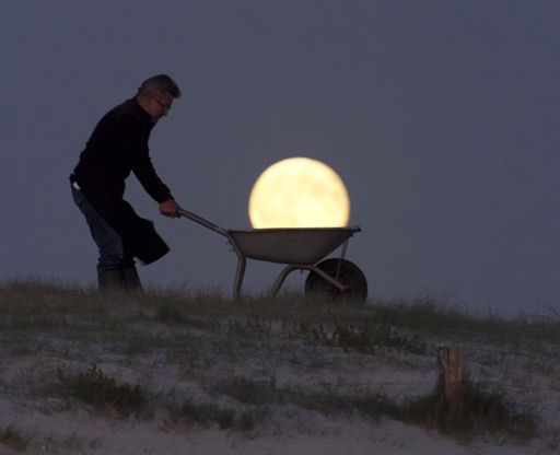 "According to folklore, this week's full moon is the Harvest Moon. It got its name before the days of electricity from farmers who relied on ""Harvest Moonlight"" to gather their crops after sunset. In modern times, some people still prefer to do their gardening in the moonlight. French photographer Laurent Laveder caught his friend Michel hard at work on Sept. 13th.  ""Michel was very busy digging, watering, pruning--all by the light of the Moon,"" says Laveder, who arranged the images on a…"