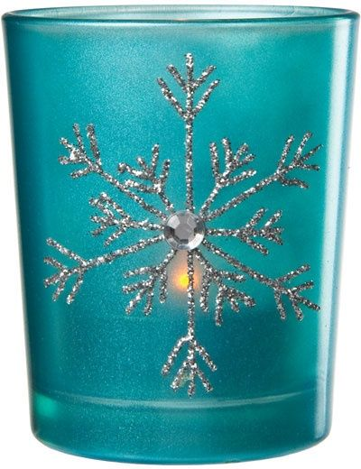 Perfect for a tiffany blue Christmas wedding.