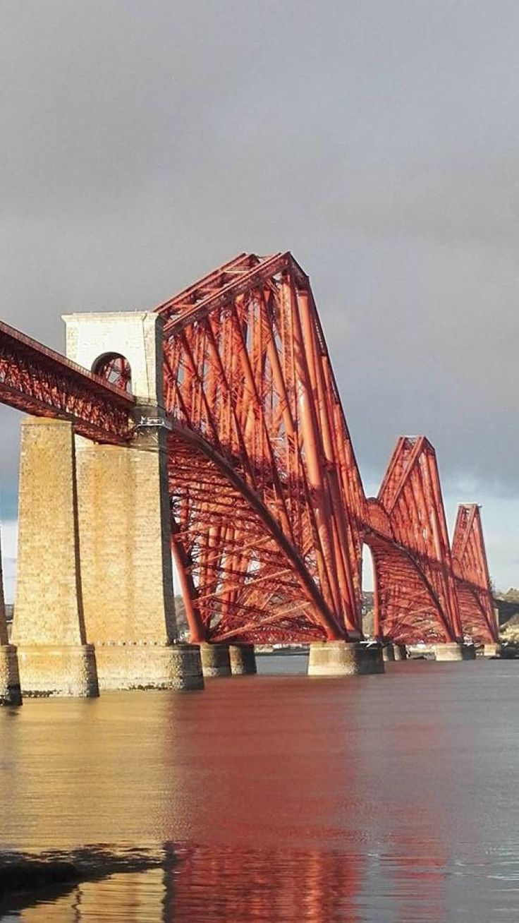 The Forth Bridge was a milestone in the development of railway civil engineering. Alan Ingram