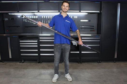 Wer hat den größten? Drehmomentschlüssel XXL von Smoos - 170cm lang und mit dem höchstmöglichen Drehmoment von 1500 Nm! Finde hochwertige Drehmomentschlüssel in allen Größen auf www.datona.de