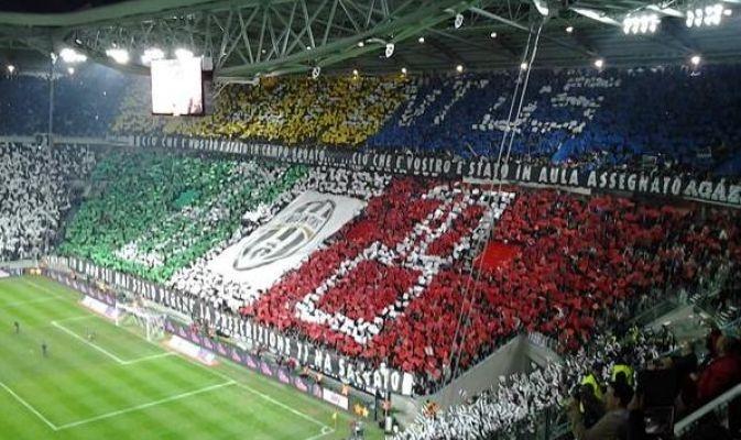 Juve-Inter, la coreografia dello stadio