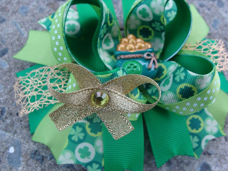 Saint Patrick hair bow St. Patricks Day hair bow large boutique hair bow Holiday hair bow by MyLuckyHairBow on Etsy https://www.etsy.com/listing/216631136/saint-patrick-hair-bow-st-patricks-day