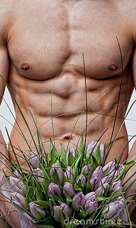 bukieta-mczyzna-nadzy-tulipany-18289959.jpg (269×450)