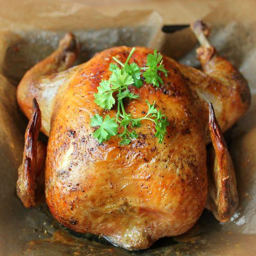 Dans la grande tradition desrecettes de Noël, il est difficile de passer à côté de larecette de la dinde aux marrons.