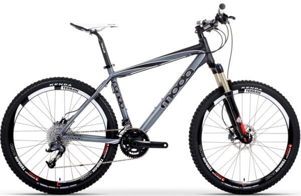 This hardtail cross-country bike weighs only 11.11kg.