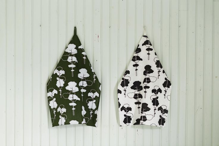 Petäjä (Pine) tea towels. Design by Riikka Kaartilanmäki 2011.