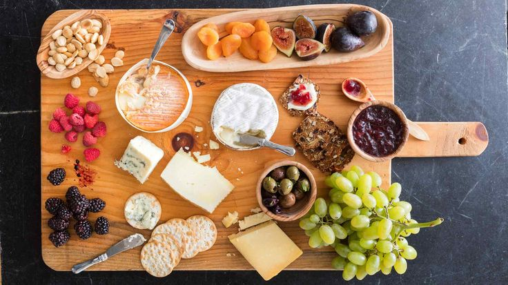 Building a beautiful, flavorful cheese platter is easy with these tips from the test kitchen.