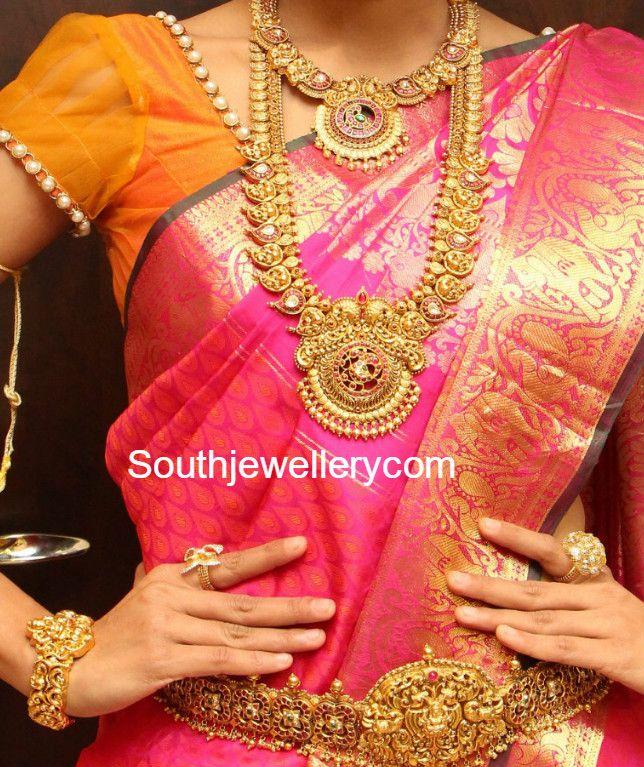 Antique Gold Wedding Jewellery Set by Manepally photo