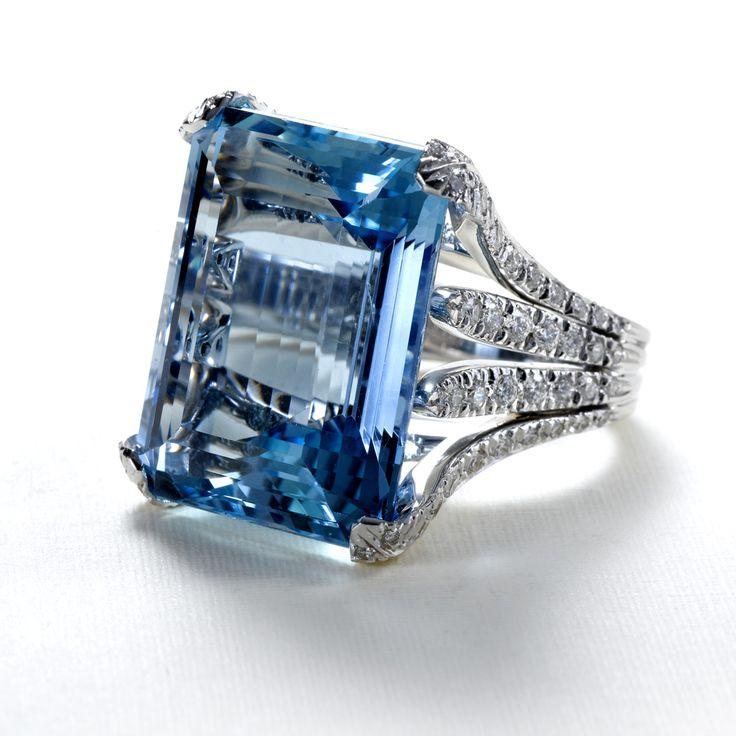 Brazilian Aquamarine and Diamond Ring