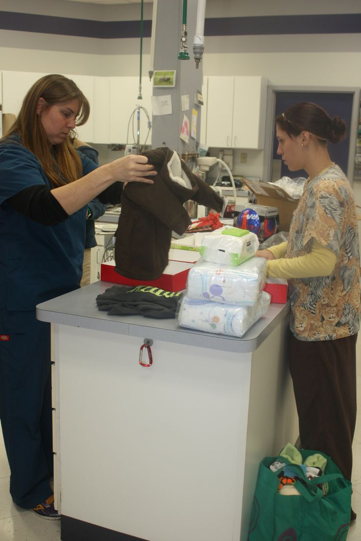 Melissa and Nicolette #Animal Hospital #Veterinarian #Pets #Vet #KAH #FrederickMaryland #Christmas #GivingBack