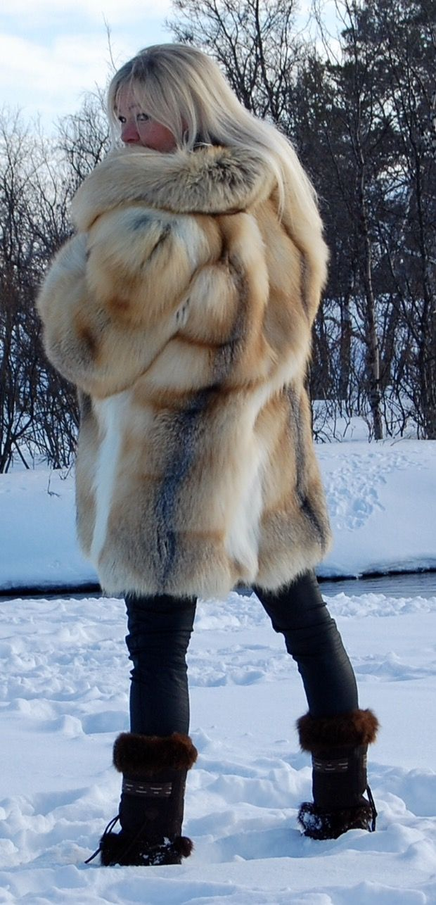 swedish fur goddess in golden island fox red fox fur coat pinterest fox coat foxes and fur. Black Bedroom Furniture Sets. Home Design Ideas