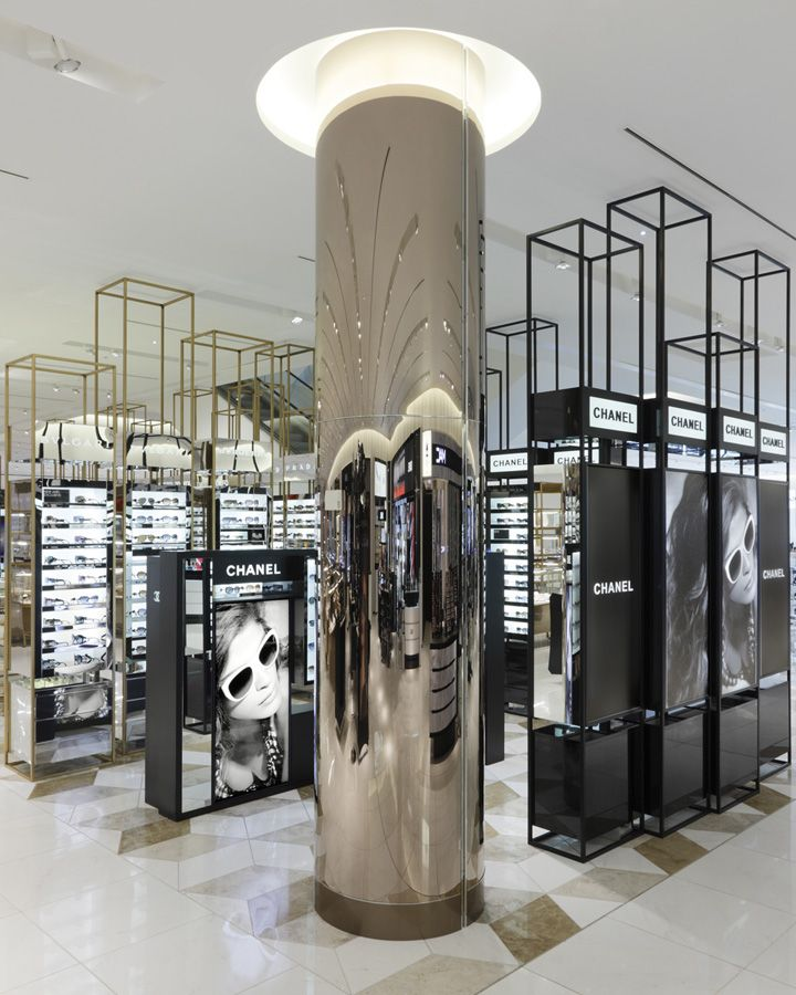 Selfridges beauty hall by hmkm manchester store design for Interior column designs