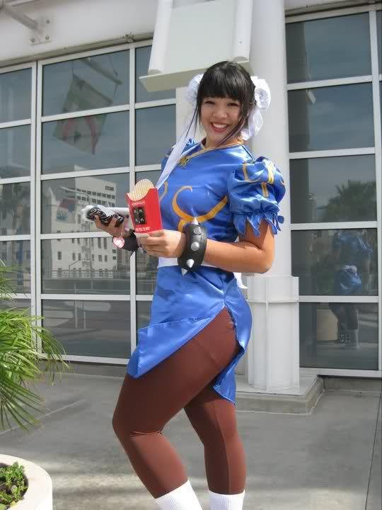 plus-sized Chun-Li cosplay