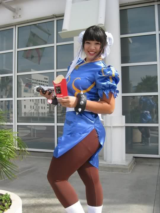 plus-sized Chun-Li cosplay